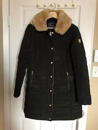 Women winter jacket size medium  Montréal, H4N 3K3