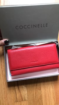 Red leather Coccinelle wallet bought in Italy Gaithersburg, 20878