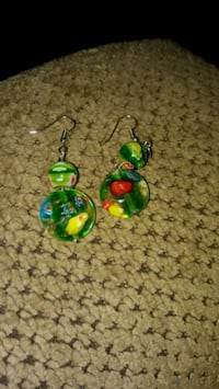 pair of green-and-red hook earrings Greeneville, 37743