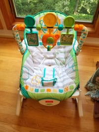 Fisher price baby lounger music and vibration Annandale, 22003