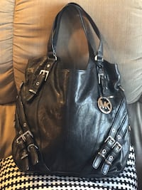 Michael Kors Leather Hobo Bag (Newwithouttags) $200
