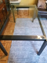 Glass dining table Vaughan, L4L 9R7