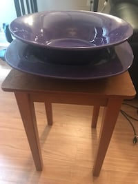 Purple bowl and serving plate New York, 10022