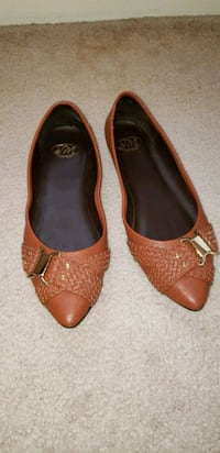 Gently worn size 7.5 flats District Heights, 20747