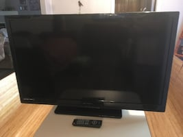 "39"" Flat Screen Emerson TV"