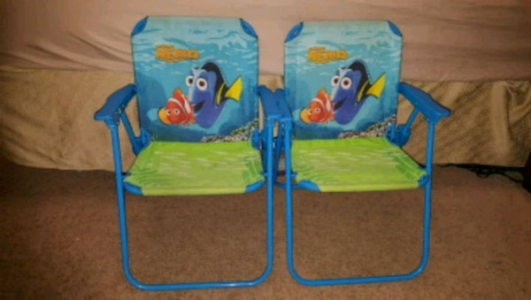 2 foldable finding nemo chairs