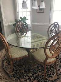 round glass top table with four chairs dining set Chicago, 60610