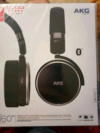 AKG n60 noise cancelling wireless headphones  20 mi
