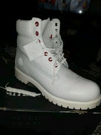 Limited edition white serpent timbs  East Stroudsburg, 18302