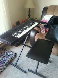 black and gray electronic keyboard Maple Ridge, V2X