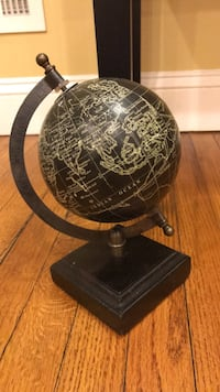 Small globe  New Castle, 19720
