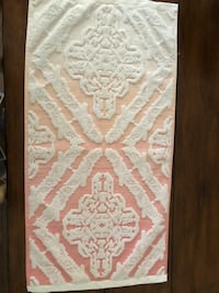 Anthropologie bath towel. Perfect condition and only used for home staging  King, L7B