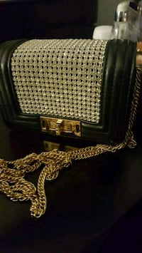 Purse with rhinestones/ hand bag Pickering, L1V 6Z6