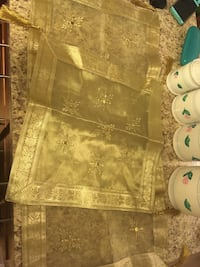 Beautiful table runners and plates place matts. Silver Spring, 20905