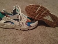 Brand new size 12 huaraches  New Castle, 19720