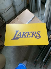 Lakers sign New York, 11102
