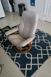 living room chair Vancouver, V5M 1P6