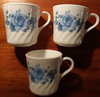 Set of 3 Corelle Corning Ware Blue Velvet Rose Swirl Coffee Cup/Mug   Pick-up in Newmarket   (Ref # offtovv)