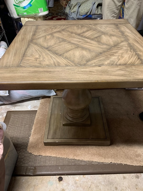 Coffee table and Tow end table wood good condition  061d012a-babd-41b5-bc30-7c2ab20a551e