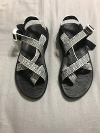 3a10f0eb2122 Used WOMENS CHACOS (BRAND NEW) for sale in Alabaster - letgo