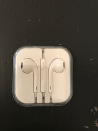 New unused apple earphone for iPhone 6 Stockholm, 112 38