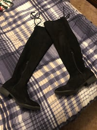 Over the knee black boots  Des Moines, 50315