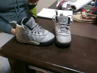 pair of gray-and-white basketball shoes Sonoma County, 95403