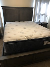 White and gray floral mattress Greeley, 80634