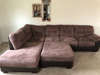 Clean in excellent condition 2pc sectional set Bowie, 20715