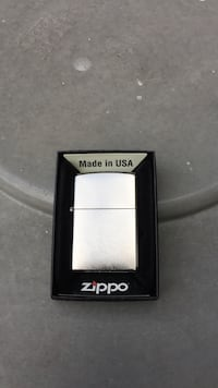 Silver zippo flip lighter new Pittsburgh, 15217