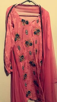 Pink and black floral long-sleeved dress 28 km