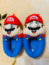 Super Mario Brothers Plush slippers for kids, size 2-3. Niles, 60714