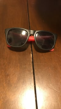 black and red framed sunglasses Nanaimo, V9R 1P4