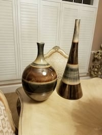 two tan and brown vase set Woodbridge, 22192