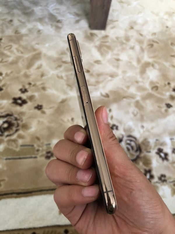 iphone xs max 64gb dd3d2451-793d-4c7c-a87c-ceb1a6db097e