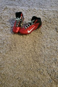 Running soccer shoes need alitle clean only  Toronto, M3N 2W1