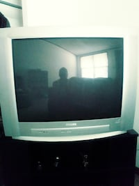 gray CRT television with remote 529 mi