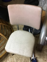 Sturdy 5 or 6 old chairs Innisfil, L9S