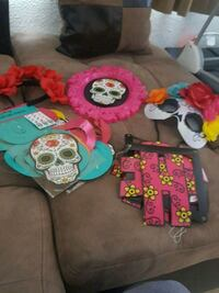 Day of the dead decorations  2267 mi