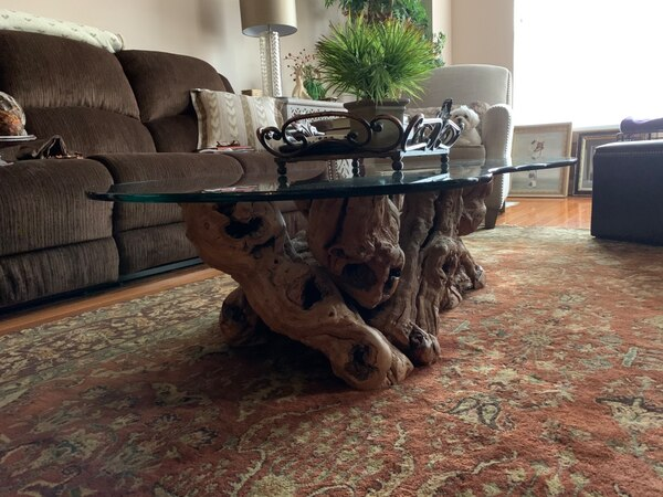 Must sell by Wed  Grapevine -Old Vines Coffee Table authentic, elegant eed319d5-9176-4436-a69b-fc9778f4bd77