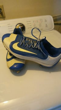 pair of blue-and-white Nike basketball shoes Dayton, 41074