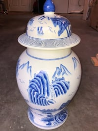 Vase with lid $30, vase without lid $20 (will reduce total price to $40 if purchased together) Ocala
