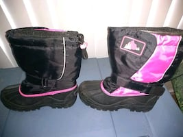 Size 3 snow boots
