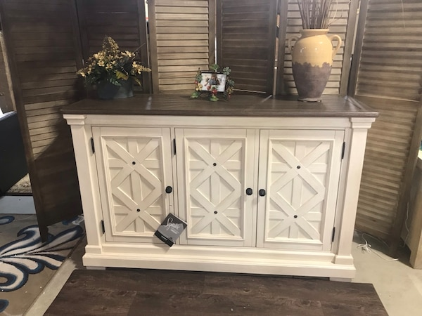 Ashley Furniture Signature Design - Bolanburg Dining Room Server - Vintage  Casual - Weathered Oak/Antique White