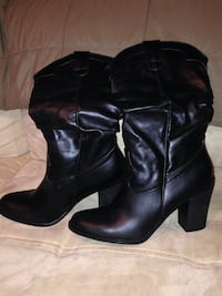 Black leather boots size 8 1/2 never used Nottingham, 21236