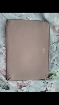 Guess laptop bag Surrey, V4N 1K2
