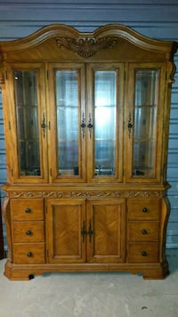 Authentic Real Wood China Hutch Kenner, 70065