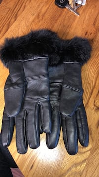 Real leather women gloves Surrey, V4N 3G8