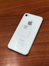 White iPhone 4s 16GB (CARRIER UNLOCKED)