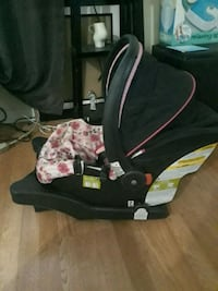 Minnie Car Seat w/ Base Miami